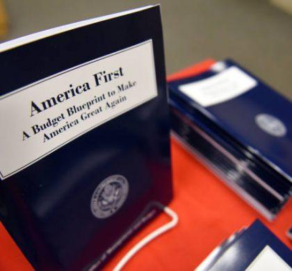"""新闻分析:特朗普政府新财年预算的三大""""硬伤"""""""