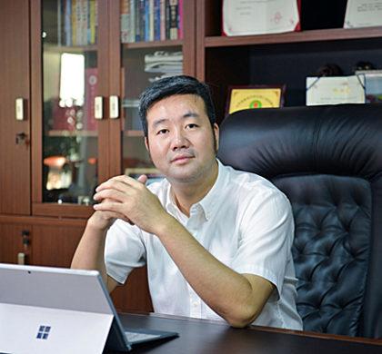 """""""华人头条""""创始人黄琪旺入编《我们与你们:中国和阿根廷的故事》一书"""