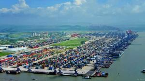 广州港今年货物吞吐量突破6亿吨
