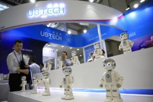 在深圳造一台机器人 从物料下单到产出只用30天