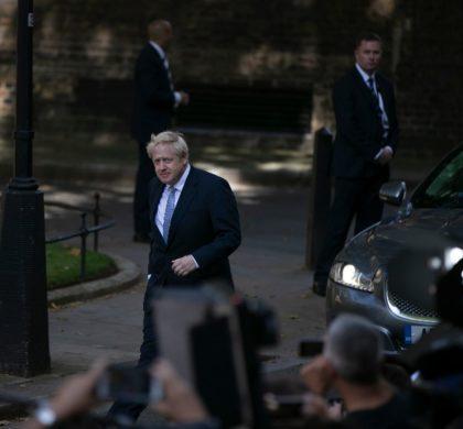 """英国新首相的""""三把火"""""""