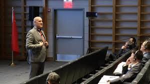 中美同意重启经贸磋商利好世界——访沃顿商学院教授莫罗·吉伦