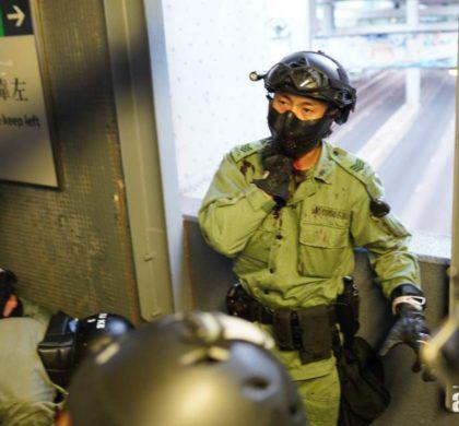 香港各界强烈谴责暴徒用利器割伤警员颈部的极端暴行