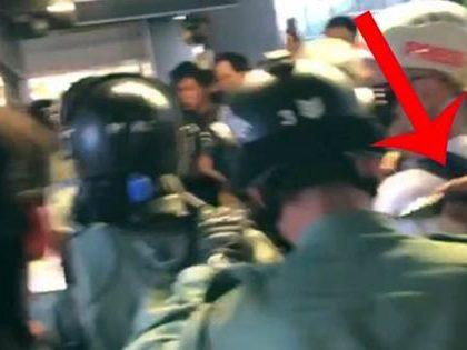 新华时评:撑警反暴,绝不能再沉默再退缩