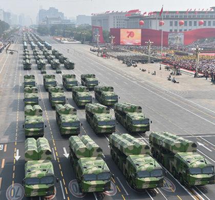 新华社照片,北京,2019年10月1日     庆祝中华人民共和国成立70周年大会在京隆重举行     10月1日上午,庆祝中华人民共和国成立70周年大会在北京天安门广场隆重举行。这是长剑-100巡航导弹方队。     新华社记者徐昱摄