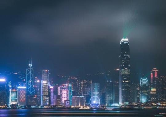 持续下跌!暴力重负正将香港经济推向谷底