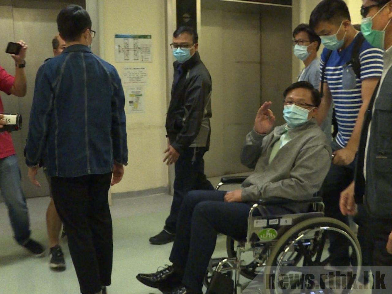 新华时评:绝不允许暴力影响香港区议会选举结果