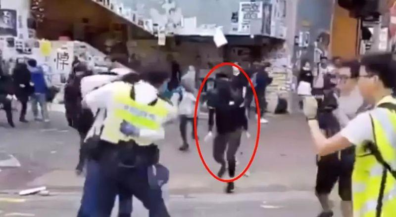 香港警方开枪击伤意图抢枪的暴徒