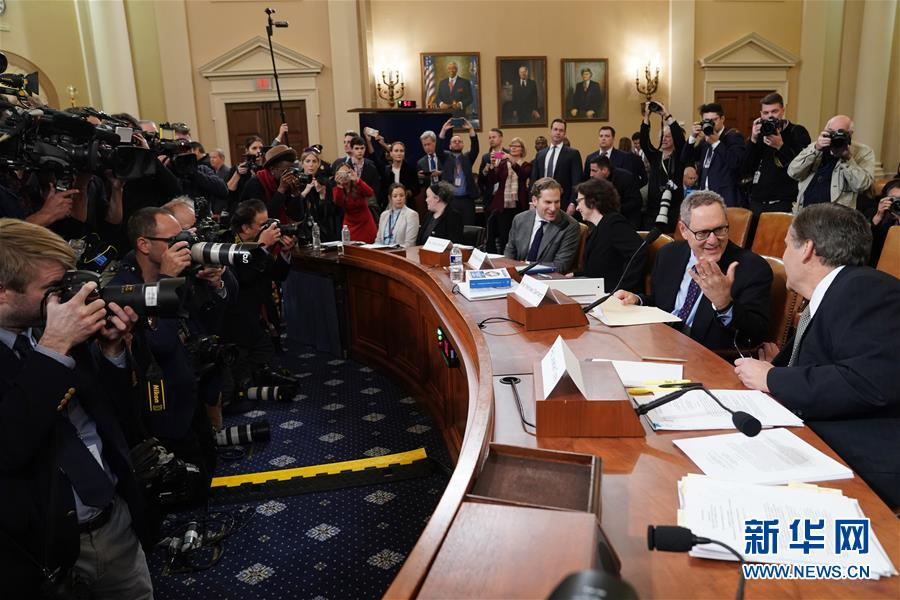 美国会众议院司法委员会举行首场特朗普弹劾调查听证会