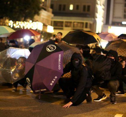 """亲历香港:暴力冲破""""围栏""""的民生之痛"""