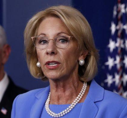 """""""用不用CDC指导很灵活"""" 美教育部长再施压学校秋季重开"""
