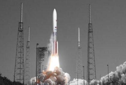 """美国太空探索技术公司""""星舟""""火箭原型机首次试飞"""