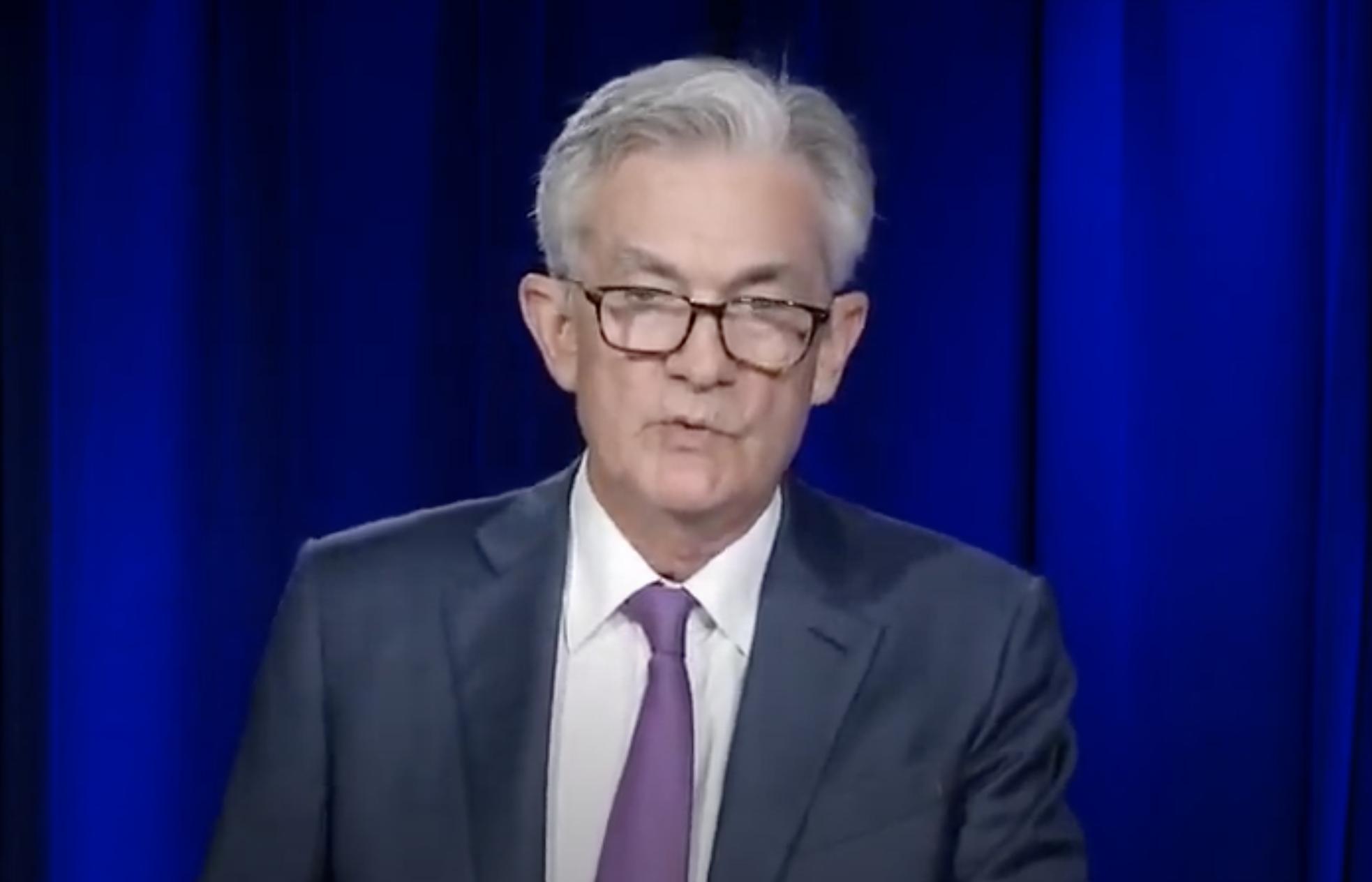 联储暗示维持零利率直到2023年 再度解释通胀目标