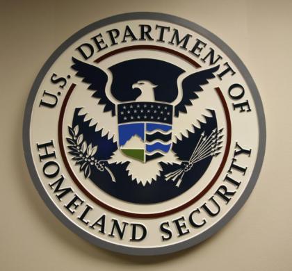 美国撤销1000多名中国公民签证