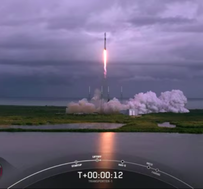 "SpaceX""运输者1号""发射成功 143颗卫星被送入太空"
