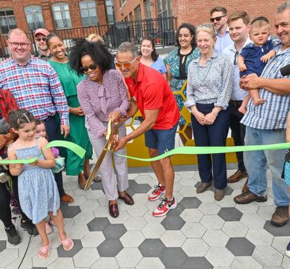 南波士顿新西二公园和社区花园隆重开幕 空置已久地块变身为美丽的社区聚会空间