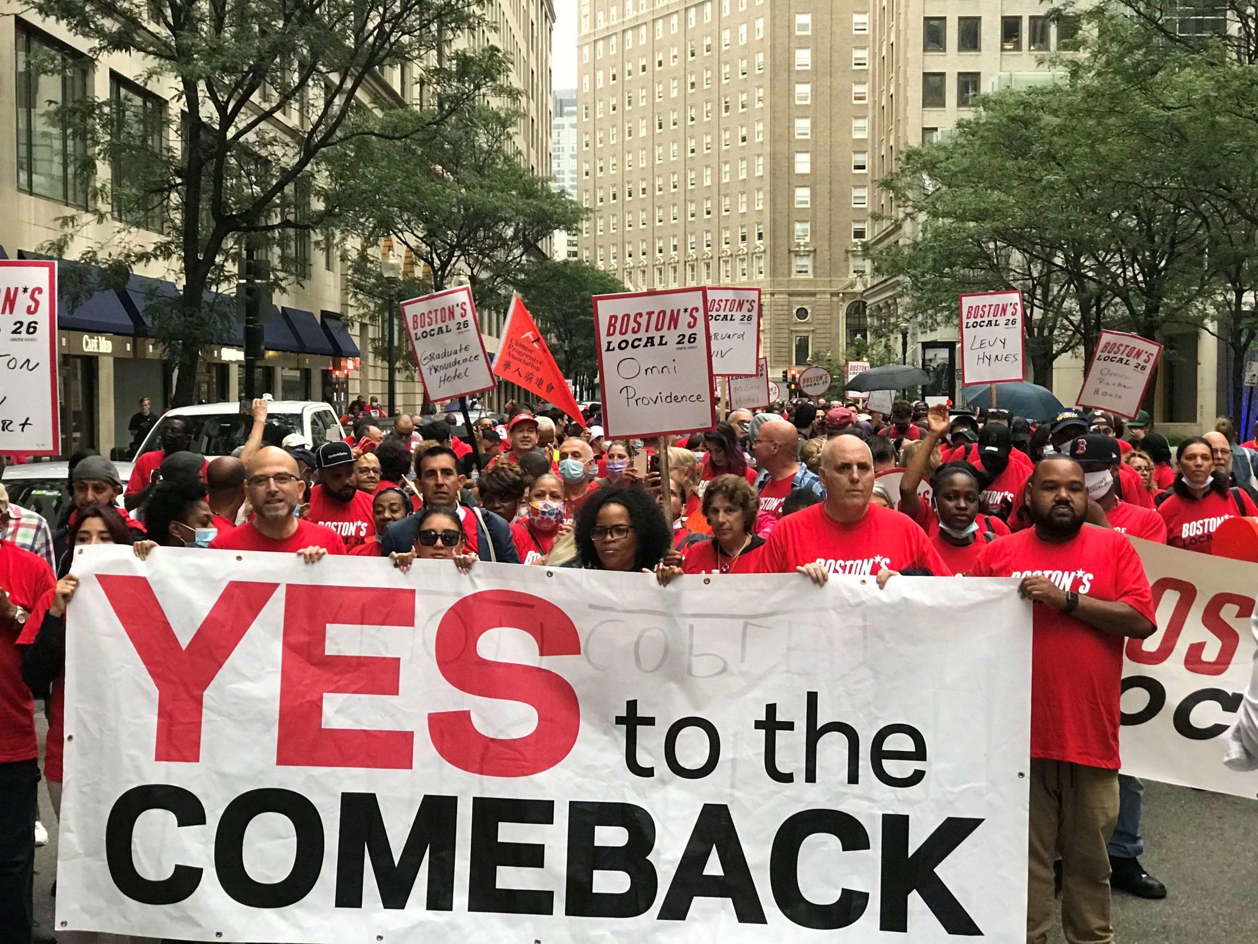 近千名波士顿酒店工人游行集会要求重返工作岗位 市长珍妮议员费连出席表示将对工人一直支持到底