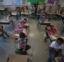 麻州学校秋季取消所有新冠病毒限制 最大教师工会负责人批评其为时过早