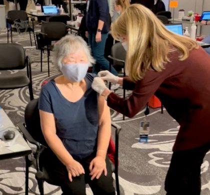 塔夫茨医疗中心正为有需要者 注射第三剂辉瑞或莫德纳疫苗
